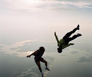 paracaidismo image