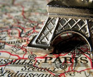 map and paris image