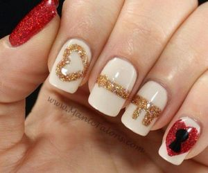 nails, key, and red image