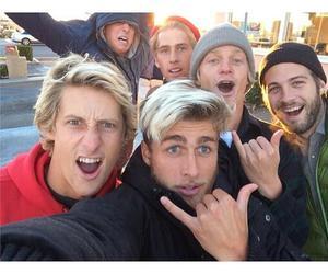 boys, surf, and kolohe andino image