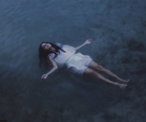 girl, grunge, and water image