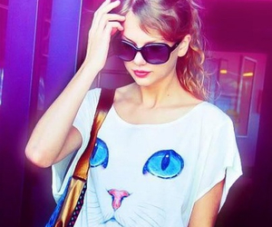 Taylor Swift and cat image