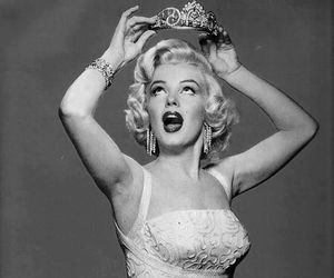 Marilyn Monroe, Queen, and vintage image