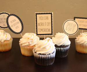 cupcakes and cupacke image