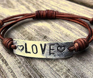 bracelet, engraving, and heart image