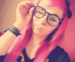 alt girl, pink hair, and scene queen image