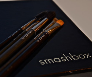 Brushes, smashbox, and makeup image