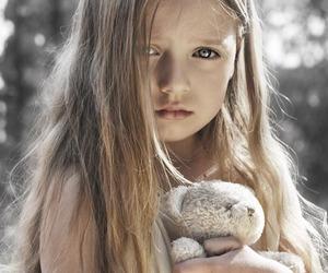 child and sad image