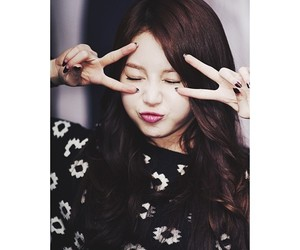 yura, girlsday, and fansign image