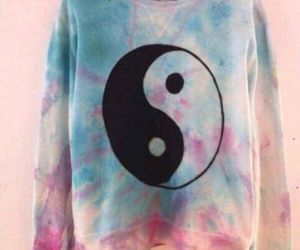 sweater and ying yang image