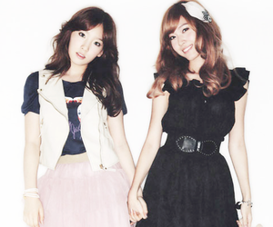 snsd, jessica, and taeyeon image