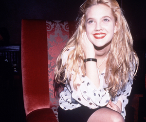 drew barrymore, grunge, and 90s image