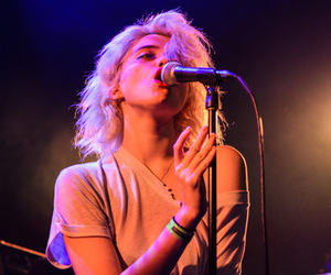 sky ferreira, singer, and pale image