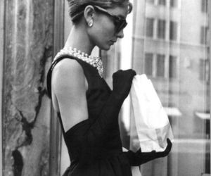 audrey hepburn, balck and white, and tiffany's image