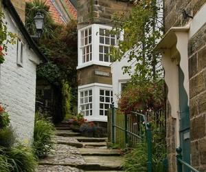 england and house image