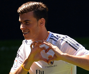 heart, real madrid, and gareth bale image