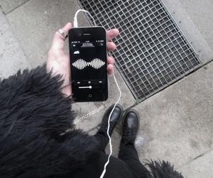 music, arctic monkeys, and black image