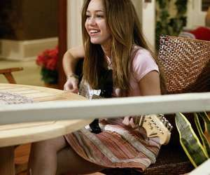 long hair, miley cyrus, and old miley image
