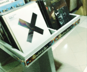 albums and Vinilos image