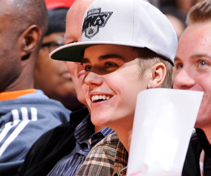 justin bieber, bieber, and perfect image