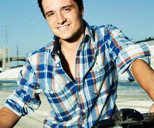 josh hutcherson, Seventeen, and Hot image