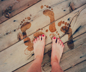 beautiful, feet, and footsteps image