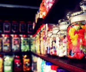 gummy and jars image