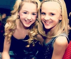 paige and chloe image