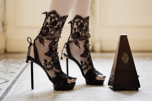 Amazing-chic-fashion-heels-lace-shoes-favim.com-39006_large