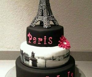 a beautiful cake •~ image