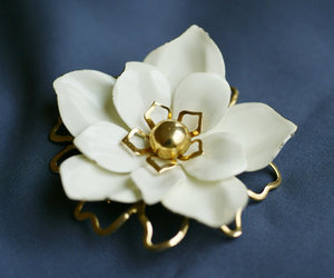 flower pin, emmons flower brooch, and white flower pin image