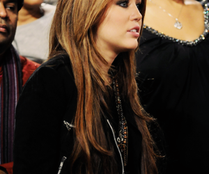 miley cyrus, radiate love, and smilers image