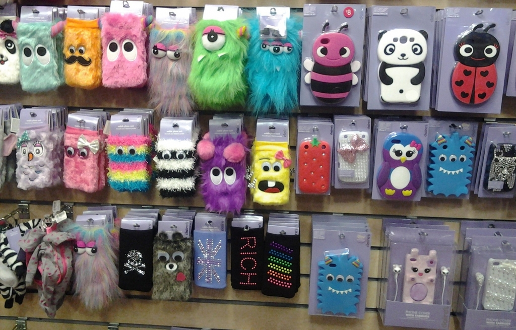 reputable site 829a6 e46df Phone Cases from Claire's Accessories | Cascades Shopping Centre ...