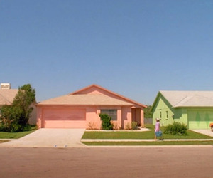 edward scissorhands and Houses image