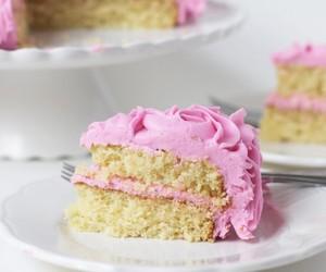 cake and yellow cake image