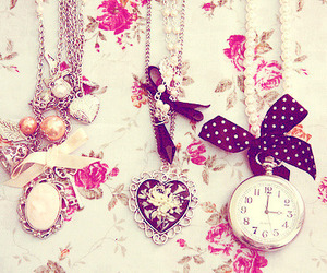 necklace, vintage, and pink image