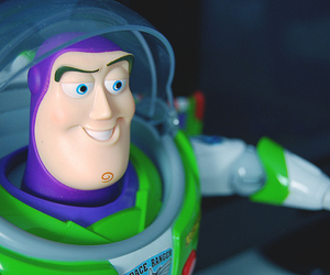 color and buzzl lightyear image