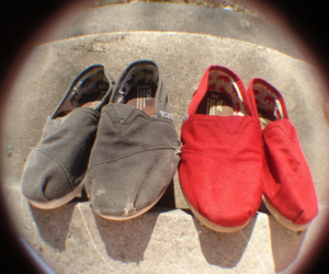 black, toms, and toms shoes image