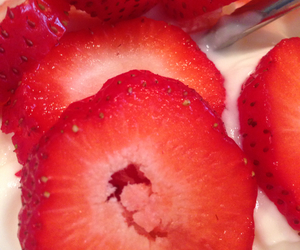 breakfast, delicious, and strawberries image