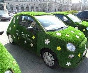 daisy, marc jacobs, and car image