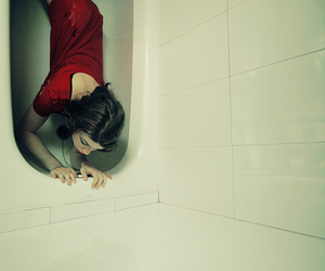 bathtub and red image