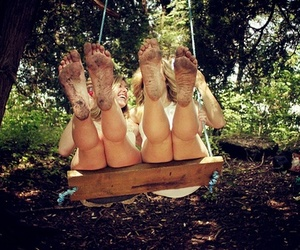 friends, swing, and feet image