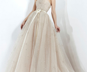 dress, wedding dress, and Zuhair Murad image