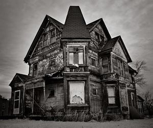 couple, house, and haunted image