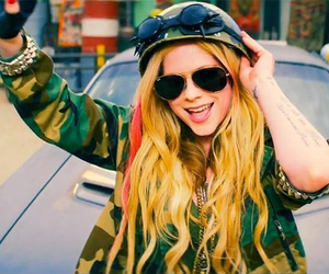 Avril Lavigne, rock n roll, and lavigne image