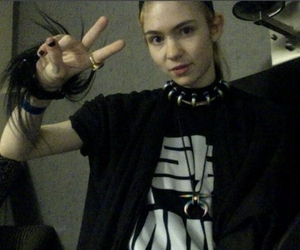 grimes, grunge, and indie image