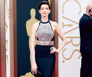 Anne Hathaway, oscar, and dress image