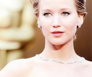 Jennifer Lawrence and oscar image