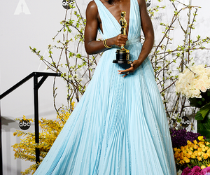 dress, oscar, and lupita nyong'o image