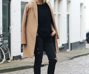 fashion blog and street style image